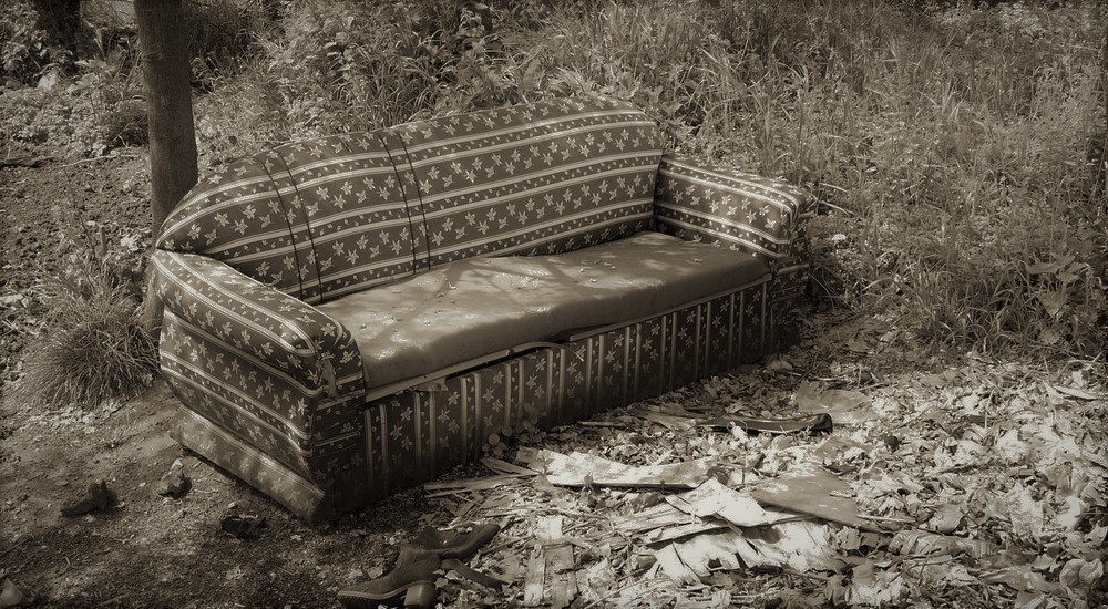 easy-couch-disposal-for-anyone