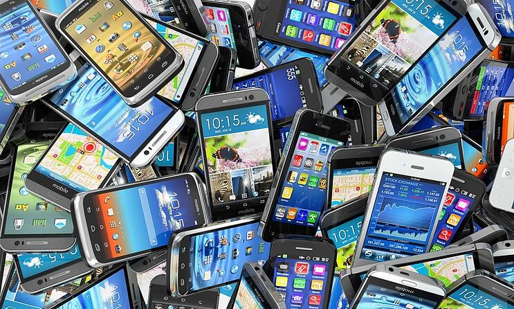 old-mobile-phone-disposal-and-the-challenge-of-e-waste
