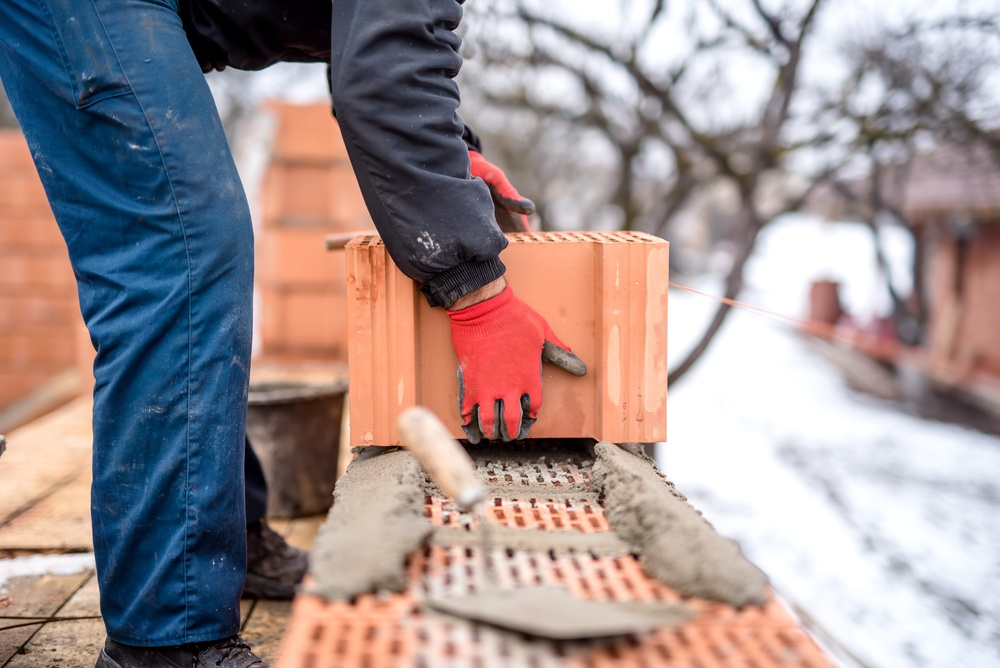 staying-safe-with-winter-construction-debris-removal
