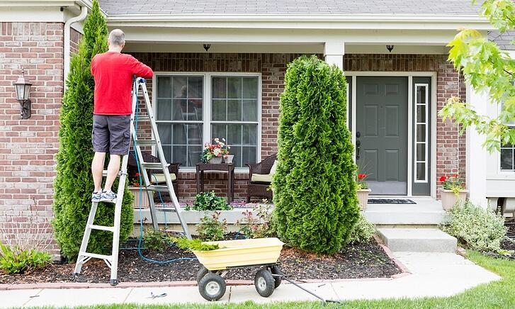 spring-cleaning-should-include-your-yard-and-landscaping