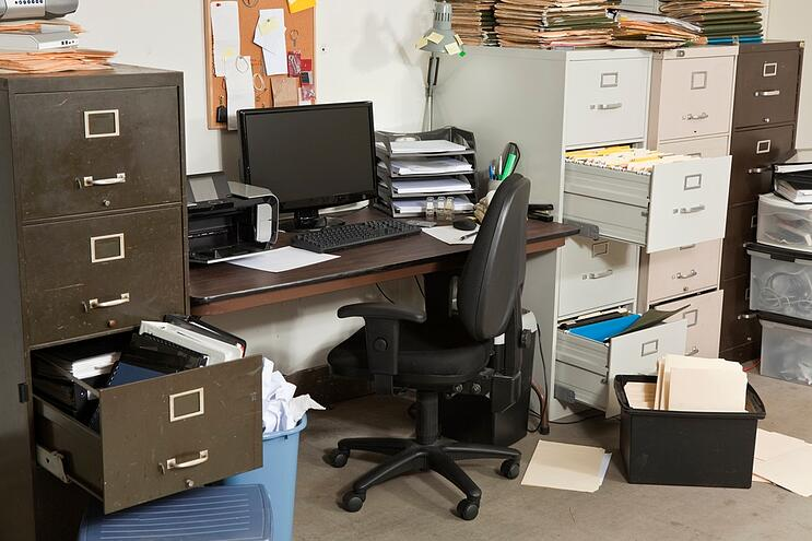 business-junk-hauling-5-benefits-of-outsourcing-the-job