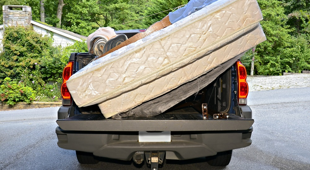 why-should-you-haul-junk-away-yourself