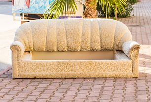 The-Top-3-Ways-to-Make-Couch-Pickup-a-Breeze-Junk-King-CA