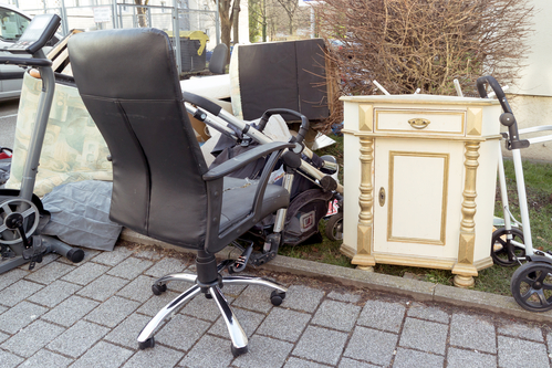 What-not-to-do-When-you-Donate-old-Furniture-Junk-King-CA