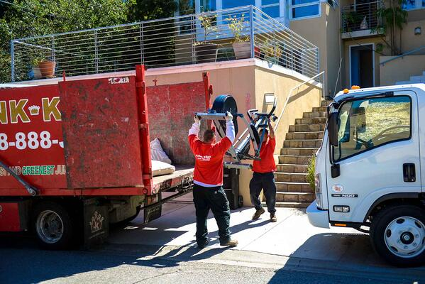 junk-hauling-for-your-residential-move-checklist-header